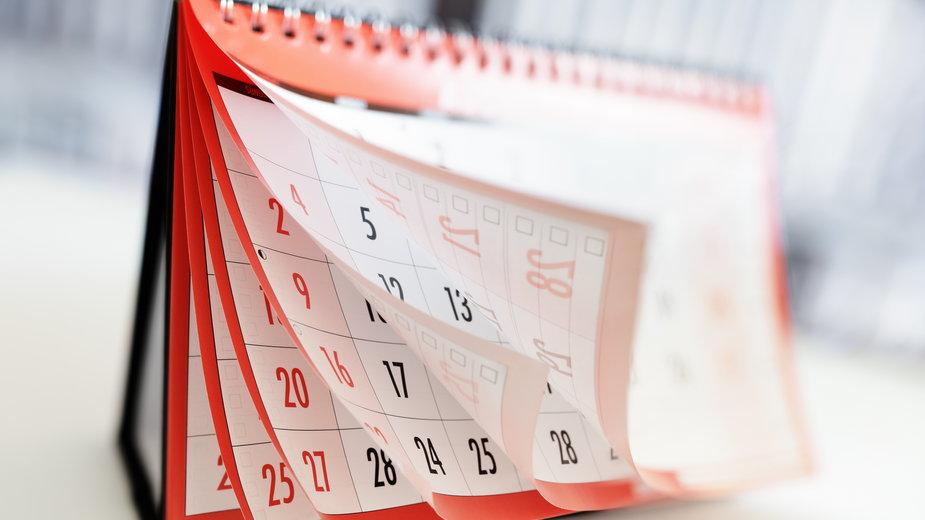 Czy za 15 przysługuje nam dzień wolny?