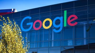 Google zmieni zasady ustalania wyszukiwarki na Androidzie