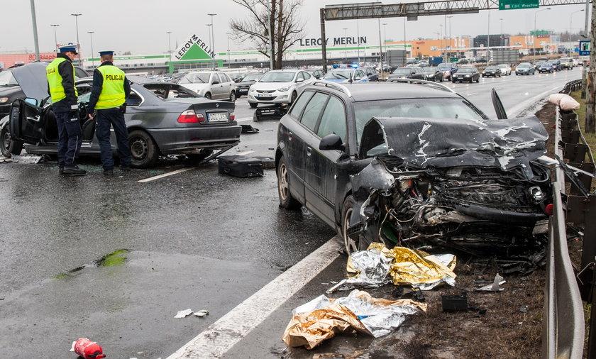 Wypadek przy zjeździe z A4