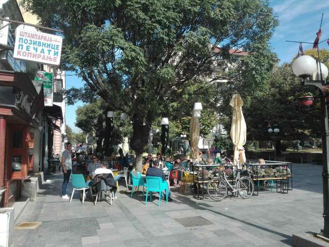 Puni kafići u Valjevu