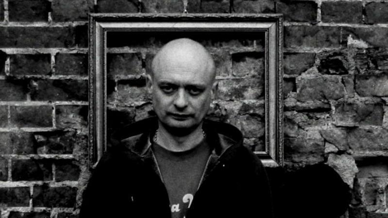 """Jędrzej """"Kodym"""" Kodymowski (fot. https://www.facebook.com/aptekaband)"""