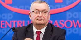 Kuriozum! Minister każe szefom spółek dziękować pracownikowi TVP