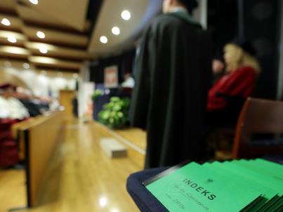 W całej Polsce działa 520 uczelni, wynika z rejestru Ministerstwa Nauki i Szkolnictwa Wyższego. Uczy się na nich 1,45 mln osób