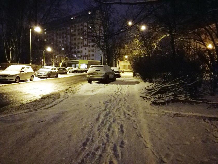 Zima w Łodzi. Ulica Podmiejska