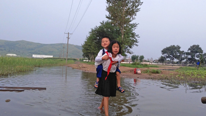 Xiaolu Chu, life in north korea, train ride, photography