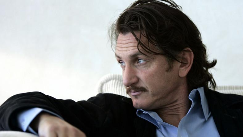 Sean Penn zagra z córką Bono