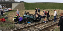Tragedia na przejeździe kolejowym. Rannych nie dało się wyciągnąć