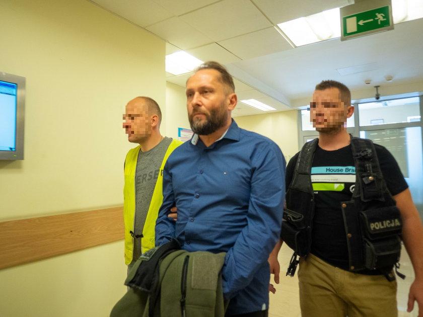 Piotrków Trybunalski: Kamil D. w sądzie. Mamy zdjęcia