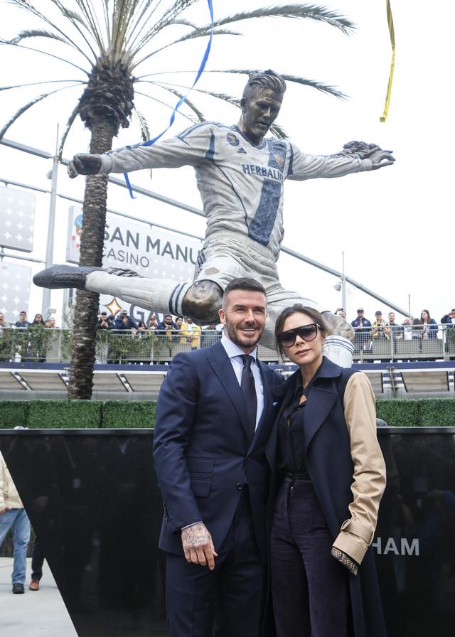 Dejvid Bekam sa suprugom Viktorijom