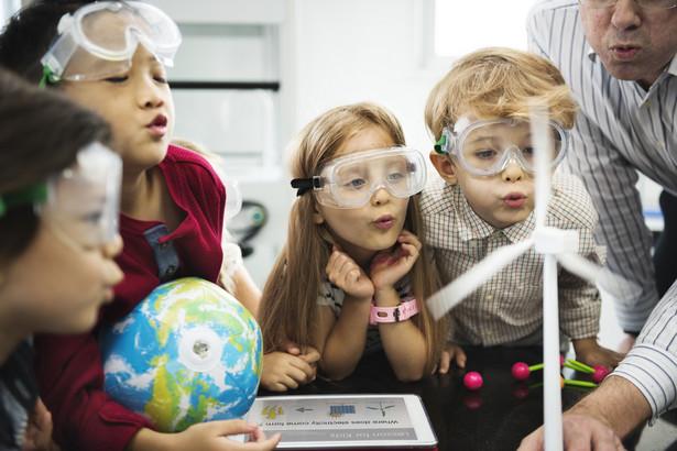 szkoła edukacja eksperymenty
