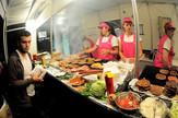 Turiste vode na svoje omiljene kioske brze hrane