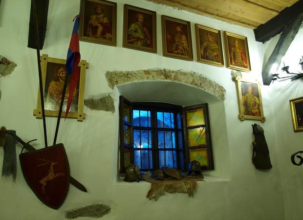 Sobków - wnętrza zamku