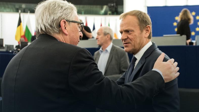Przewodniczący Rady Europejskiej Donald Tusk i przewodniczący KE Jean-Claude Juncker