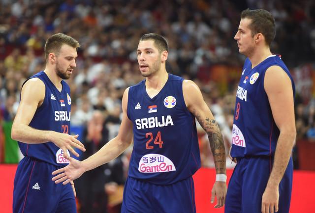 Marko Gudurić, Stefan Jović i Nemanja Bjelica na utakmici protiv Italije
