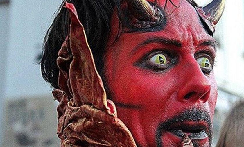 Diabeł z Krakowa walczy z urzędnikami.