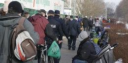 Polacy zapomnieli, że jest pandemia?! Zdjęcia z rynku mówią same za siebie