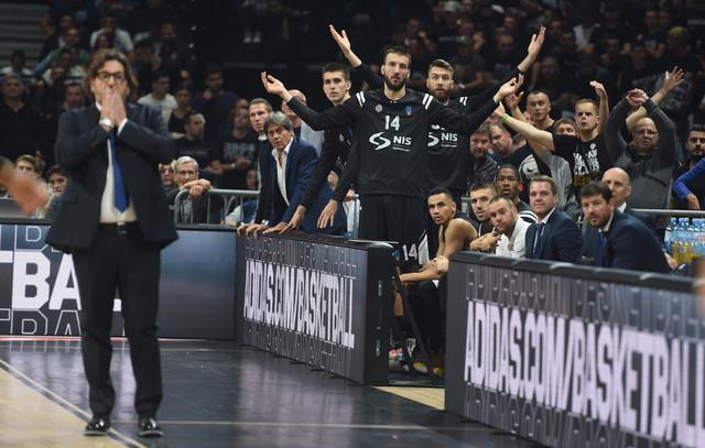 Andrea Trinkijeri i igrači Partizana