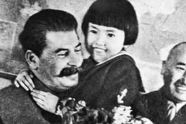 OD MILJENICE NACIJE DO BRISANJA IMENA Iza fotografije Staljina i preslatke devojčice krije se SUROVA TAJNA