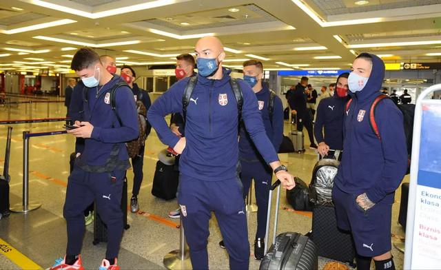 Fudbalseri Srbije na aerodromu