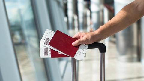Tradycyjne karty pokładowe są wypierane przez drukowane samodzielnie w domach lub ich wersje mobilne wyświetlane na smartfonach