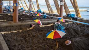 Japonia: kąpiele w gorących piaskach atrakcją słynnego kurortu