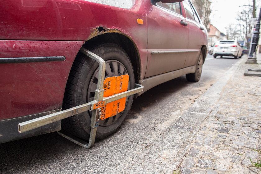 Oznakowanie na Dominikańskiej myli kierowców