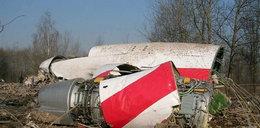 Fragment Tu-154 wciąż tkwi w drzewie w Smoleńsku