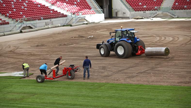 Na Stadionie Narodowym w Warszawie trwają przygotowania do finałowego meczu Ligi Europy w którym zmierzą się Sevilla i Dnipro Dnipropietrowsk.