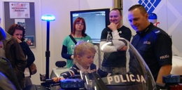 Policjanci szykują się do hucznej zabawy!