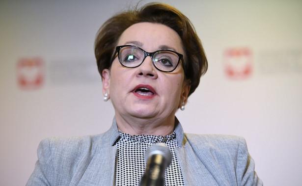 """Zalewska podkreśliła, że """"większość tych propozycji będziemy przedstawiać dzisiaj na spotkaniu""""."""