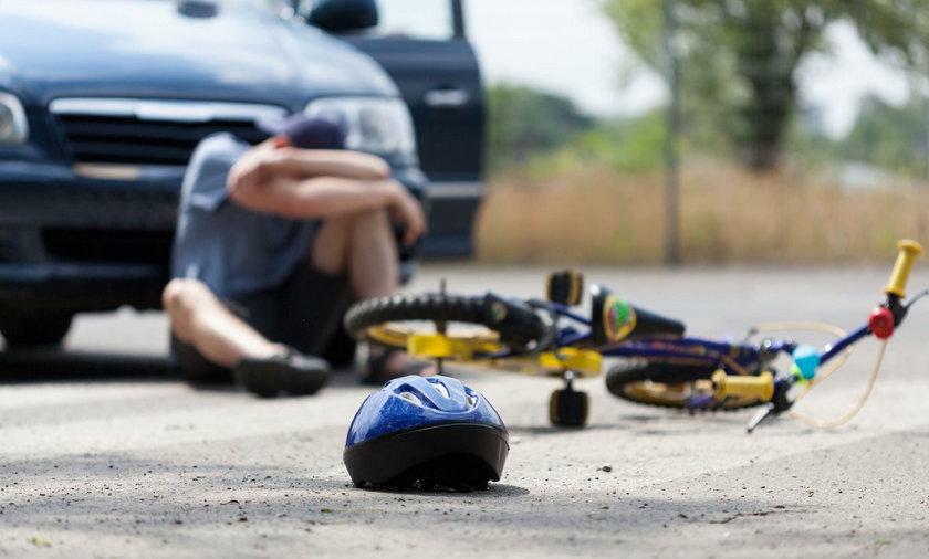 Policjant potrącił na pasach 15-letniego rowerzystę. Kto jest winny?