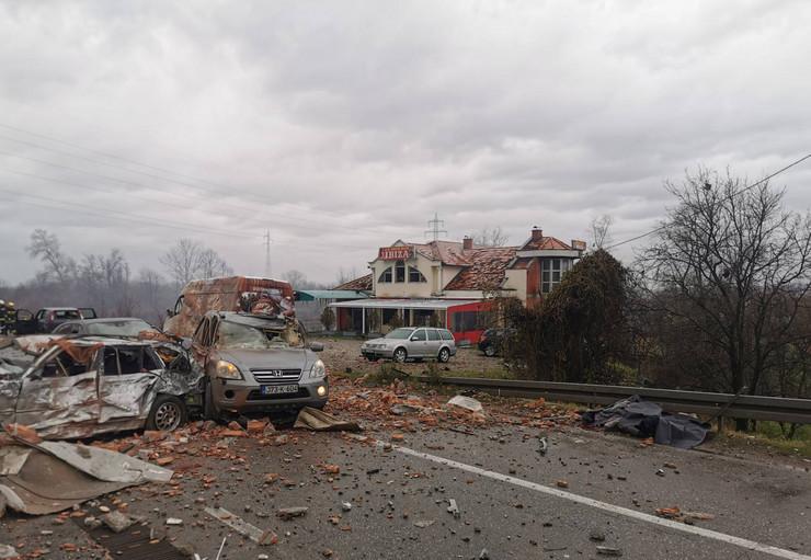 eksplozija na benzinskoj pumpi  Loznica