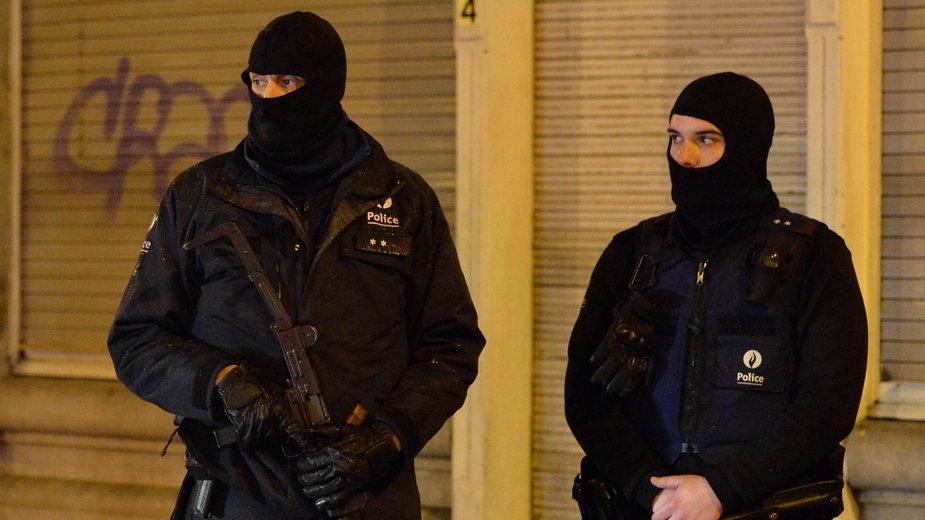 Policjanci z jednostki antyterrorystycznej belgijskiej policji. Jednostka brała udział w dużej części Operacji Niebo