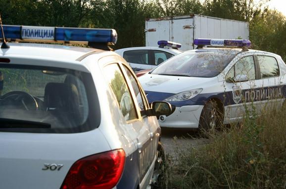 Tri ekipe leskovačke policije su tražile lopova