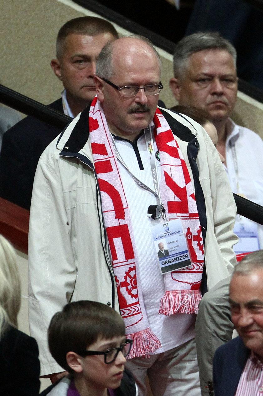 Katowice. Piotr Uszok, były prezydent Katowic wyjechał do Kataru
