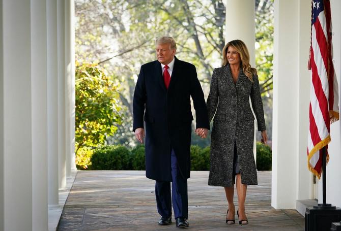 Melanija Tramp i Donald Tramp na proslavi Dana zahvalnosti u Beloj kući: pogledajte modno izdanje prve dame Amerike
