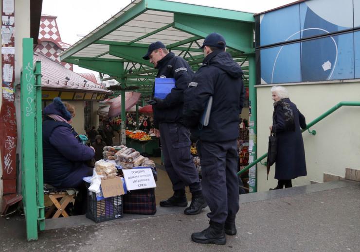Komunalna policija u patroli_270115_RAS foto Milorad Milankovic (16)