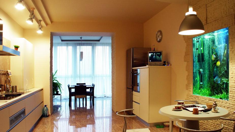 Akwarium wbudowane w ścianę wygląda bardzo efektownie - Leonid Nyshko/stock.adobe.com