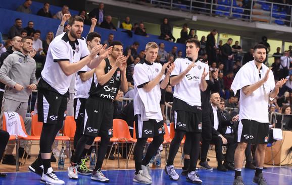 Košarkaši Partizana su u prvoj utakmici protiv FMP-a slavili sa 83:77