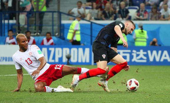 Matijas Jorgensen obara Rebića za penal u 116. minutu - koji Modrić nije iskoristio