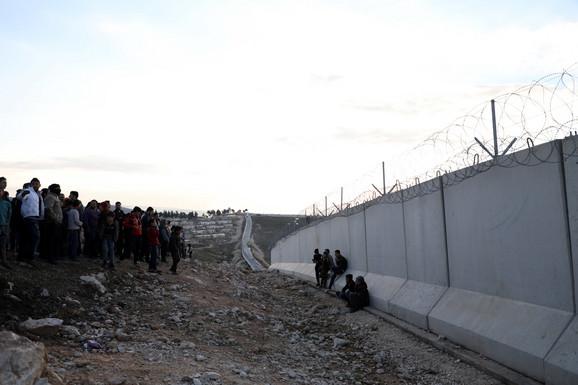 Turska je zatvorila granicu 2015, nakon što je 3,5 miliona Sirijaca ušlo u zemlju