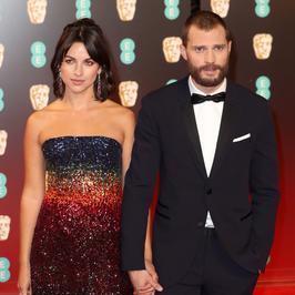 Oto Amelia Warner, która skradła serce filmowego Christiana Greya. Jamie Dornan ma naprawdę świetny gust!