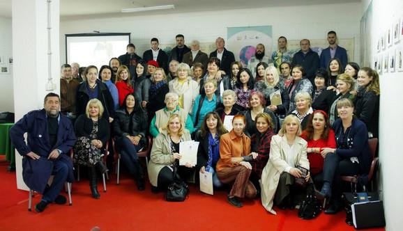 Sto dvadeset pesnika u Novom Miloševu