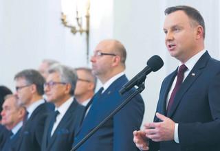 """Powołanie sędziów SN przez prezydenta przenosi spór do sądu. Tam przewagę mają """"starzy"""" sędziowie"""