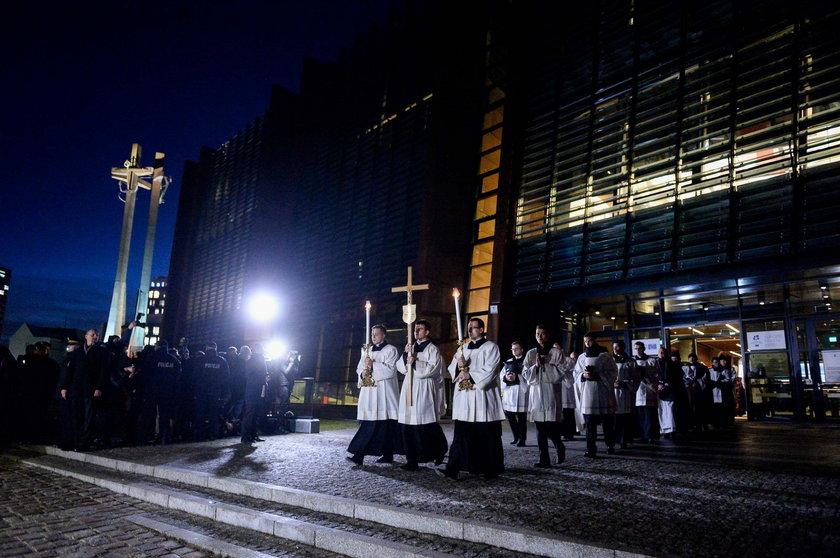 Msza św. w intencji śp. Pawła Adamowicza w Bazylice Mariackiej