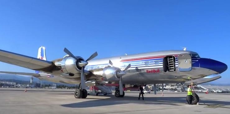 Titov avion, sc youtube