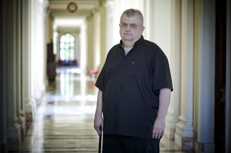 """""""LSV traži da se Šešelju zbog haške presude oduzme poslanički mandat"""", rekao je Čanak"""