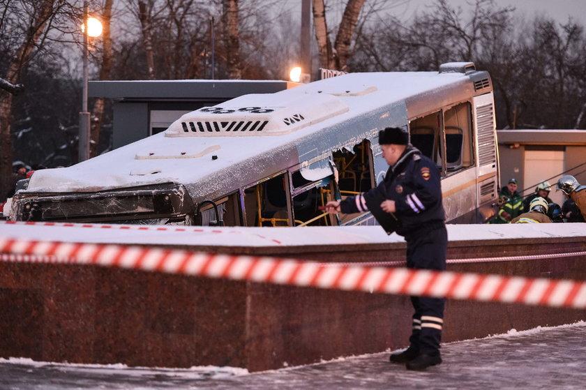 Moskwa. Autobus wjechał w tłum ludzi