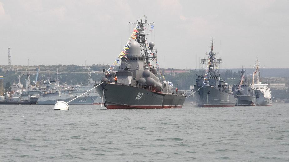 Rosyjskie okręty w porcie Sewastopolu (zdjęcie ilustracyjne)