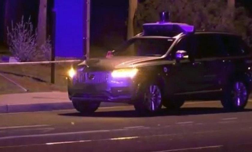 Samochód autonomiczny Ubera przejechał rowerzystkę